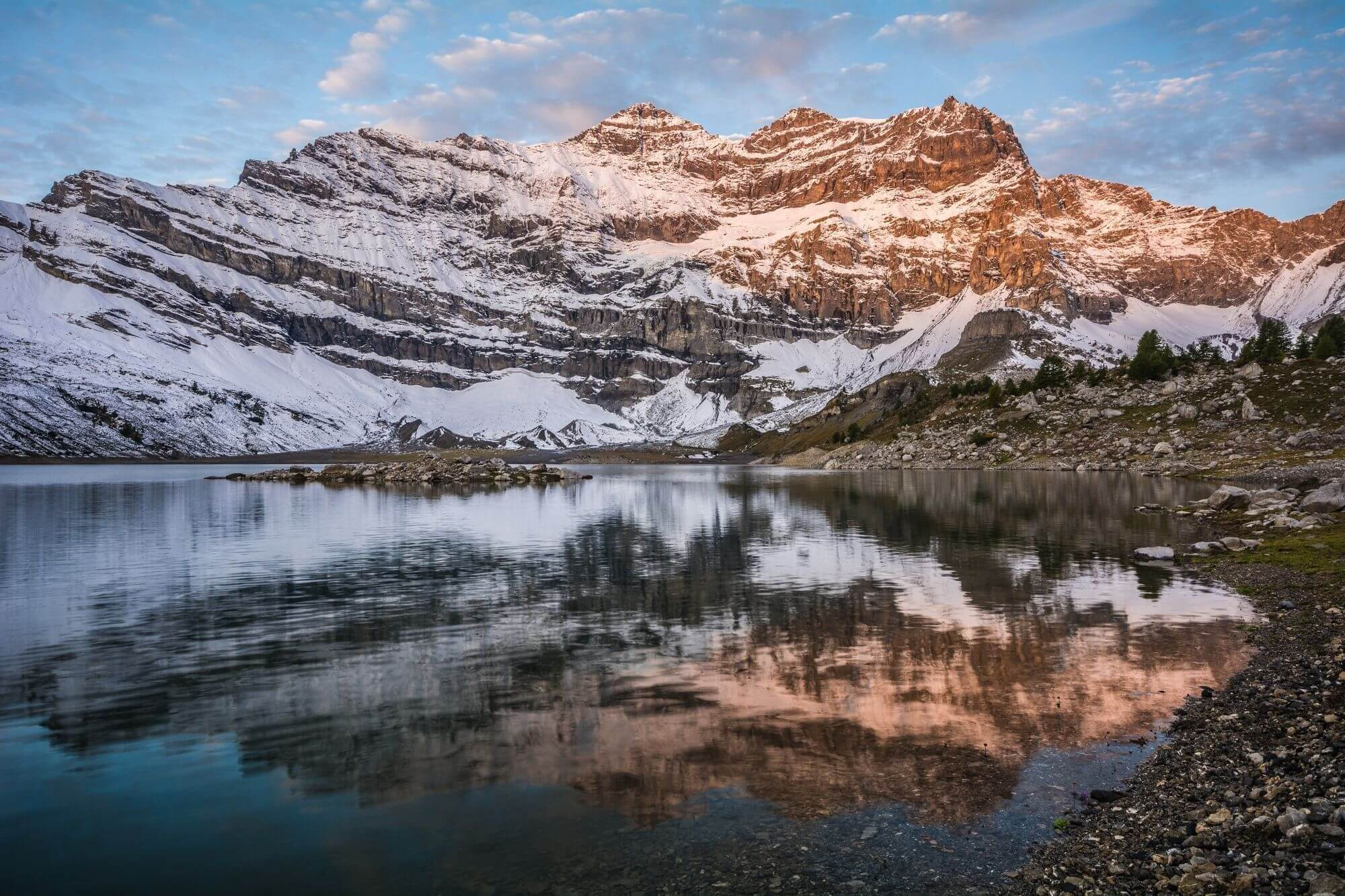 Sunrise at Lac de Salanfe